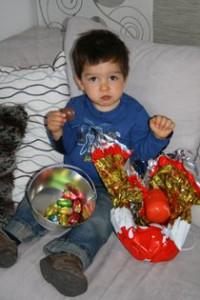 Les cloches sont passées ! dans Les enfants pâques1-200x300